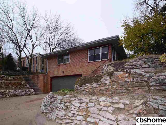 7630 Pacific Street, Omaha, NE 68114 (MLS #21807955) :: Complete Real Estate Group