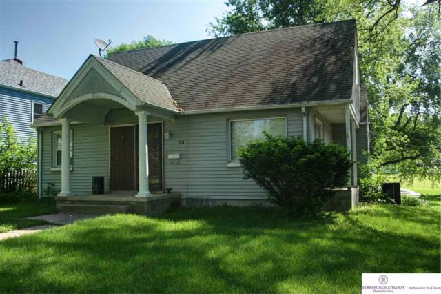701 N 75 Street, Omaha, NE 68114 (MLS #21808834) :: Complete Real Estate Group