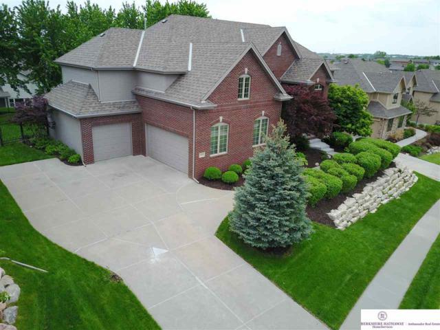 19461 Walnut Circle, Omaha, NE 68130 (MLS #21808991) :: Complete Real Estate Group
