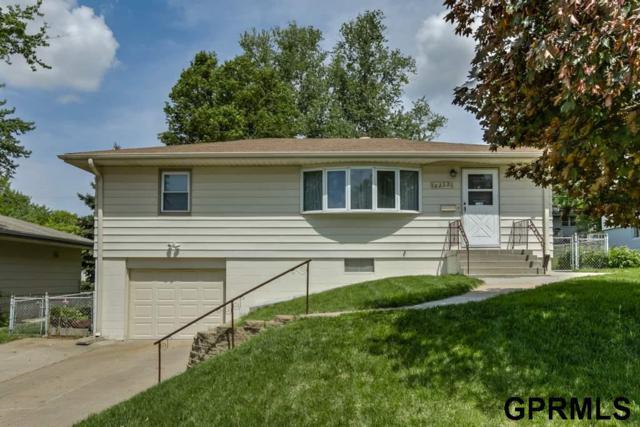 8222 Seward Street, Omaha, NE 68114 (MLS #21809037) :: Complete Real Estate Group