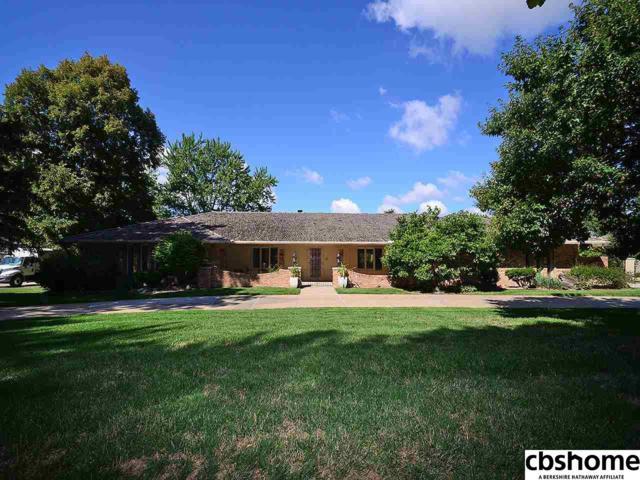 706 S 96 Street, Omaha, NE 68114 (MLS #21809683) :: Nebraska Home Sales