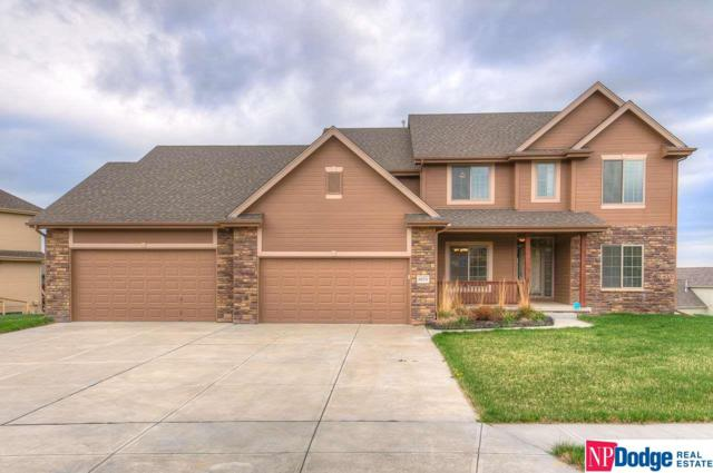 6654 Crest Ridge Drive, Papillion, NE 68133 (MLS #21810936) :: The Briley Team