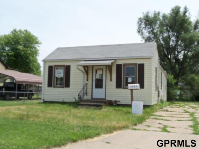 1407 F Avenue, Council Bluffs, IA 51501 (MLS #21810976) :: Omaha's Elite Real Estate Group