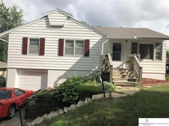 3213 Cornhusker Drive, Omaha, NE 68124 (MLS #21811139) :: Nebraska Home Sales