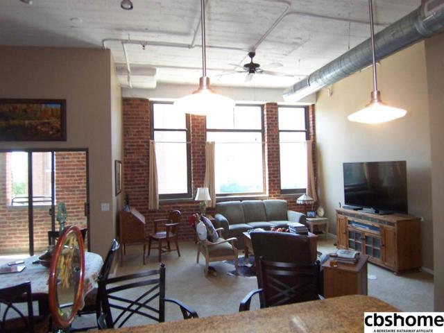 902 Dodge Street #302, Omaha, NE 68102 (MLS #21812119) :: Omaha Real Estate Group
