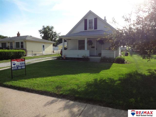 2512 S 38 Street, Omaha, NE 68105 (MLS #21812771) :: Nebraska Home Sales