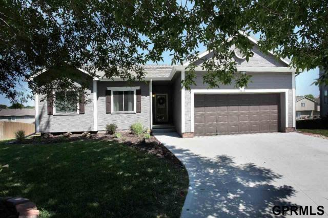 17816 Jacobs Circle, Omaha, NE 68135 (MLS #21813154) :: Nebraska Home Sales