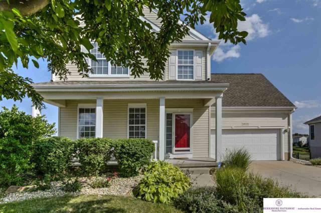 13705 S 28 Circle, Bellevue, NE 68123 (MLS #21813651) :: Complete Real Estate Group