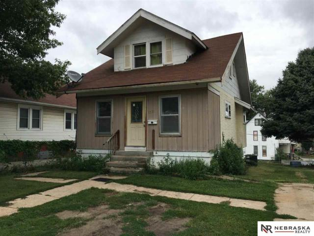 1321 S 25th Avenue, Omaha, NE 68105 (MLS #21815003) :: Complete Real Estate Group