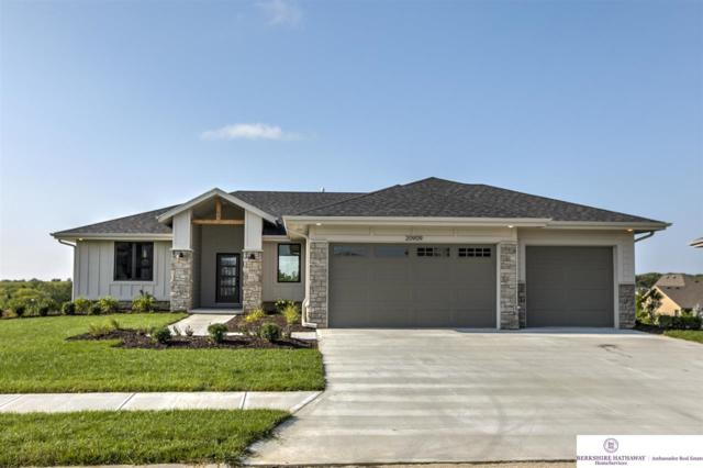 20909 Walnut Street, Elkhorn, NE 68022 (MLS #21815123) :: Omaha's Elite Real Estate Group