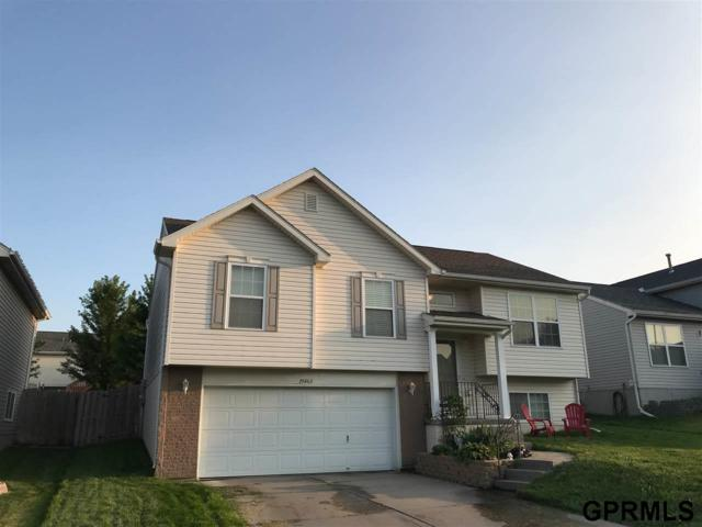 19463 U Street, Omaha, NE 68135 (MLS #21815206) :: Omaha Real Estate Group