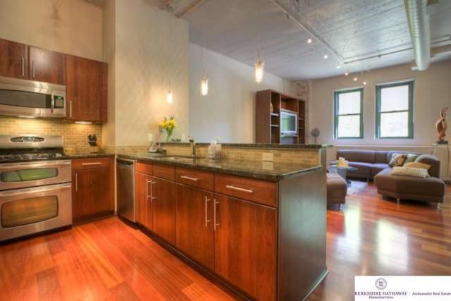 1024 Dodge Street #208, Omaha, NE 68102 (MLS #21818821) :: Omaha Real Estate Group