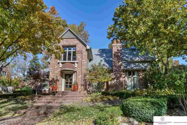 8906 Douglas Court, Omaha, NE 68114 (MLS #21819489) :: Omaha Real Estate Group
