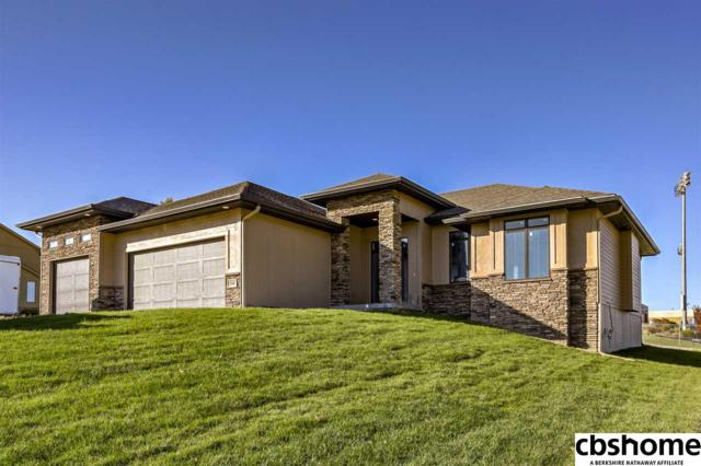 506 Brentwood Drive, Gretna, NE 68028 (MLS #21819491) :: Omaha's Elite Real Estate Group