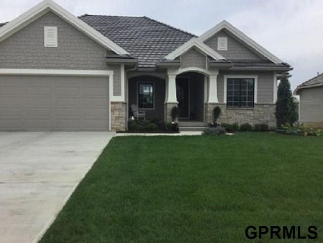 1418 Chestnut Drive, Council Bluffs, IA 51503 (MLS #21820424) :: The Briley Team