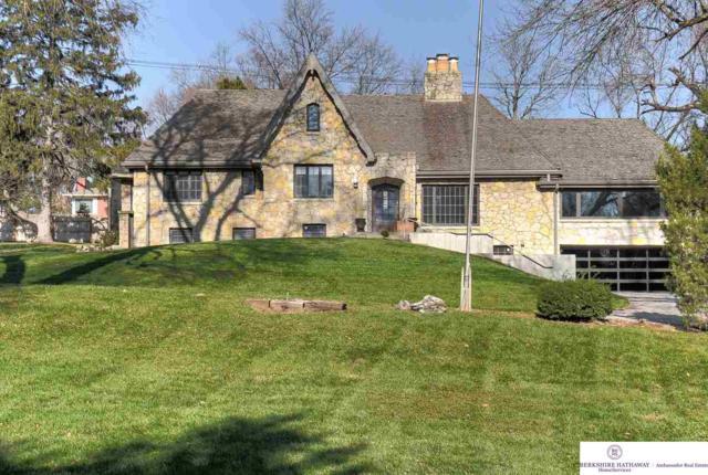 7814 Pierce Circle, Omaha, NE 68124 (MLS #21820861) :: Nebraska Home Sales