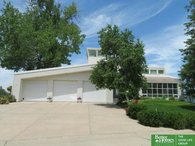 112 Shoreline Drive, Carter Lake, IA 51510 (MLS #21821553) :: Omaha's Elite Real Estate Group