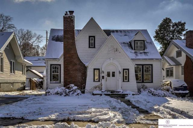 2557 Bauman Avenue, Omaha, NE 68112 (MLS #21821617) :: Omaha Real Estate Group