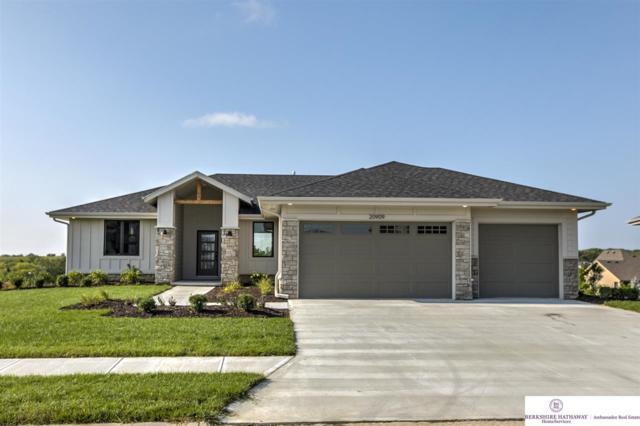 20909 Walnut Street, Elkhorn, NE 68022 (MLS #21900124) :: Dodge County Realty Group