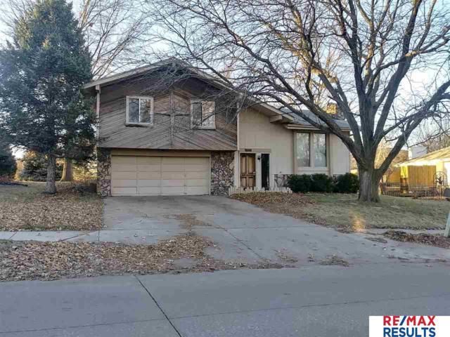 12729 Yates Street, Omaha, NE 68164 (MLS #21900495) :: The Briley Team