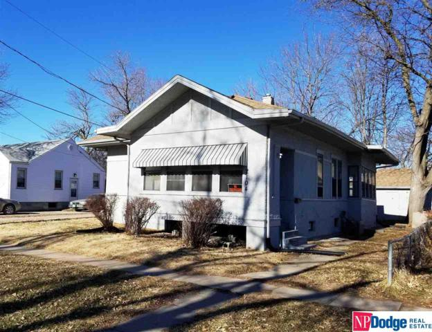 2104 3rd Avenue, Council Bluffs, IA 51501 (MLS #21900579) :: Complete Real Estate Group