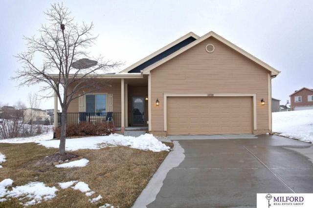 18920 Drexel Circle, Omaha, NE 68135 (MLS #21900936) :: Omaha Real Estate Group