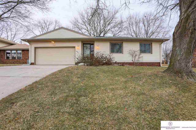 9521 Burdette Circle, Omaha, NE 68134 (MLS #21901814) :: Cindy Andrew Group