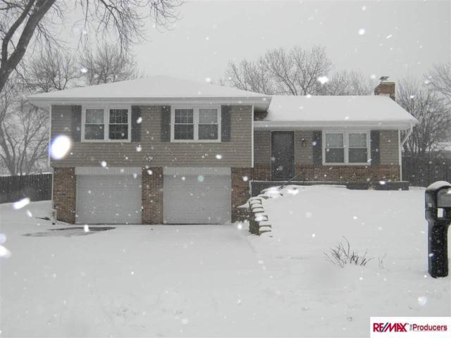 9806 O Circle, Omaha, NE 68127 (MLS #21902119) :: Cindy Andrew Group