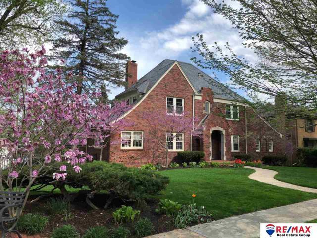 702 N 57 Avenue, Omaha, NE 68132 (MLS #21903127) :: Nebraska Home Sales