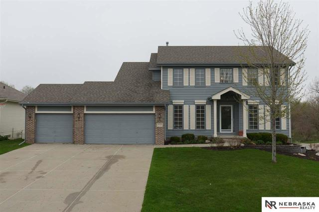 5733 S 163 Avenue, Omaha, NE 68135 (MLS #21904965) :: Complete Real Estate Group