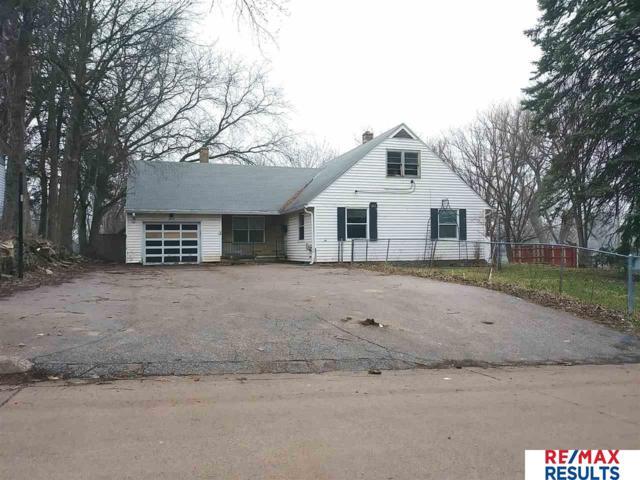 3818 Saratoga Street, Omaha, NE 68111 (MLS #21905382) :: Omaha's Elite Real Estate Group