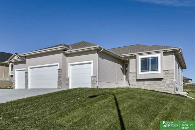 524 Devonshire Drive, Gretna, NE 68028 (MLS #21906471) :: The Briley Team