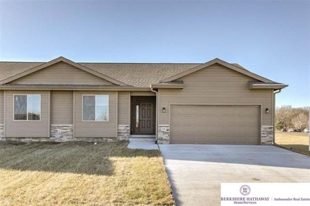 2906 Lakeside Drive, Plattsmouth, NE 68046 (MLS #21906926) :: The Briley Team