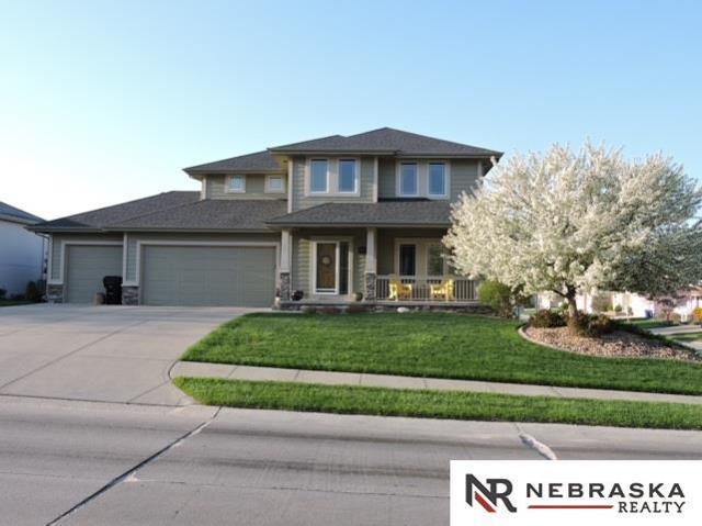 16125 Adams Street, Omaha, NE 68135 (MLS #21907019) :: Nebraska Home Sales