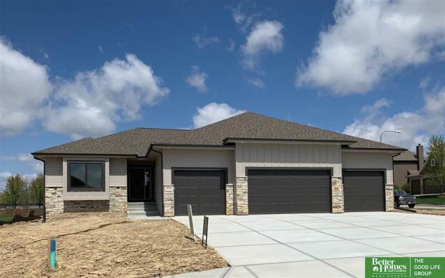 20702 Ames Avenue, Elkhorn, NE 68022 (MLS #21907259) :: Nebraska Home Sales