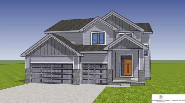 5011 Clearwater Drive, Papillion, NE 68133 (MLS #21908415) :: The Briley Team