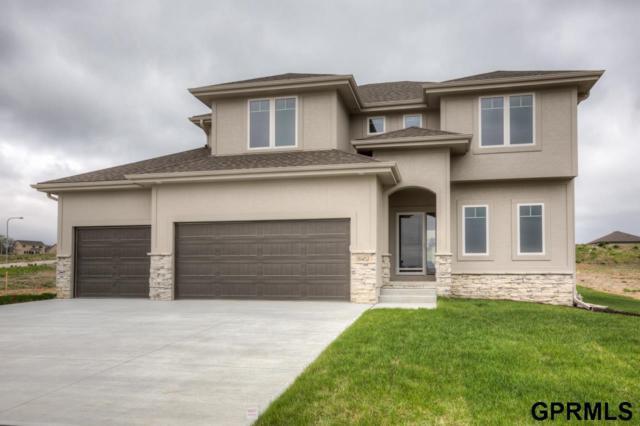 18462 Greenleaf Street, Omaha, NE 68136 (MLS #21908487) :: Omaha's Elite Real Estate Group
