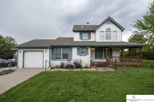 5800 W Holdrege Street, Lincoln, NE 68528 (MLS #21908839) :: The Briley Team