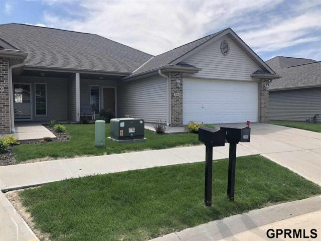 208 Highclere Drive, Council Bluffs, IA 51503 (MLS #21908936) :: Five Doors Network