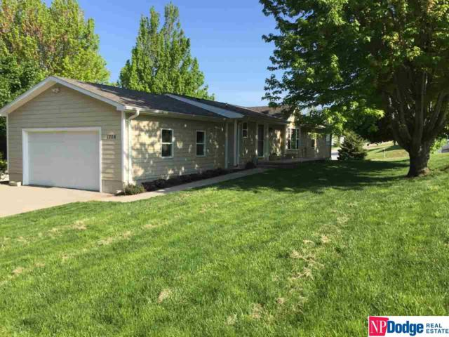 1206 Oak View Drive, Nebraska City, NE 68410 (MLS #21909040) :: The Briley Team