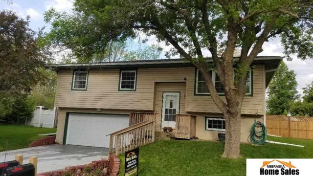 227 Lindale Circle, Hickman, NE 68372 (MLS #21909643) :: Complete Real Estate Group