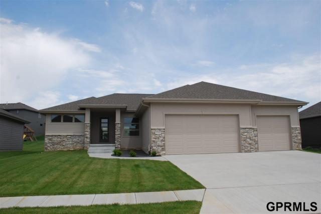 17142 N Bondesson Street, Bennington, NE 68007 (MLS #21909838) :: Five Doors Network