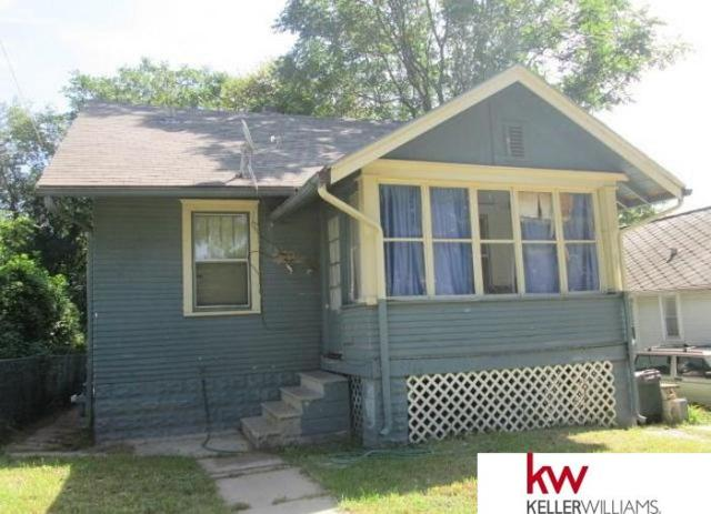 3713 N 45 Street, Omaha, NE 68104 (MLS #21909852) :: Five Doors Network