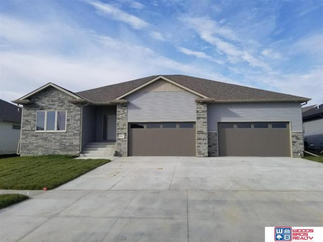 8917 S 32nd Street, Lincoln, NE 68516 (MLS #21909853) :: Five Doors Network