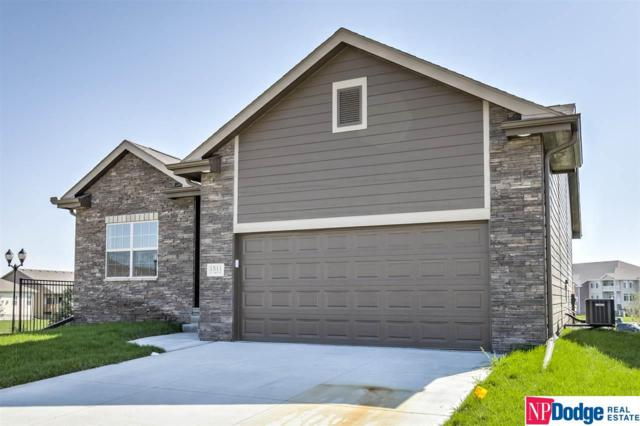 4611 Lawnwood Drive, Papillion, NE 68133 (MLS #21909854) :: Five Doors Network