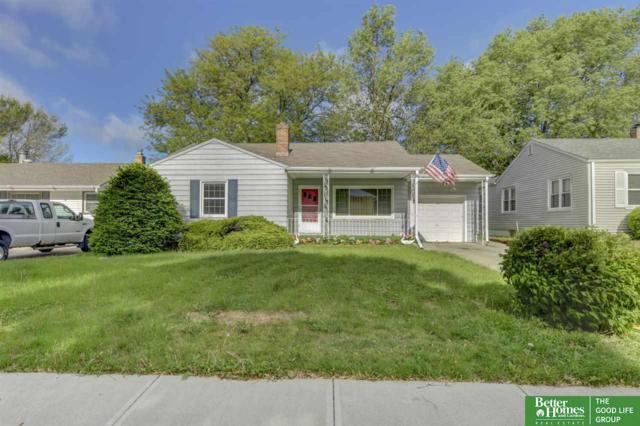 916 S 54th Street, Omaha, NE 68106 (MLS #21910158) :: Nebraska Home Sales