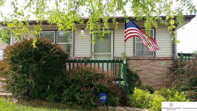 2712 Lillian Street, Bellevue, NE 68147 (MLS #21910259) :: Five Doors Network