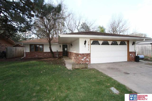 1911 Surfside Drive, Lincoln, NE 68528 (MLS #21910367) :: Omaha Real Estate Group