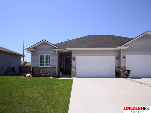 725 Larkspur Drive, Hickman, NE 68372 (MLS #21911409) :: Omaha's Elite Real Estate Group