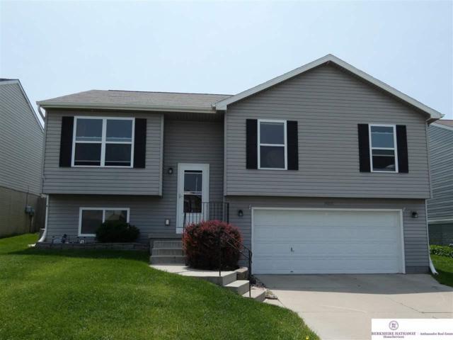 19375 V Street, Omaha, NE 68135 (MLS #21912378) :: Complete Real Estate Group